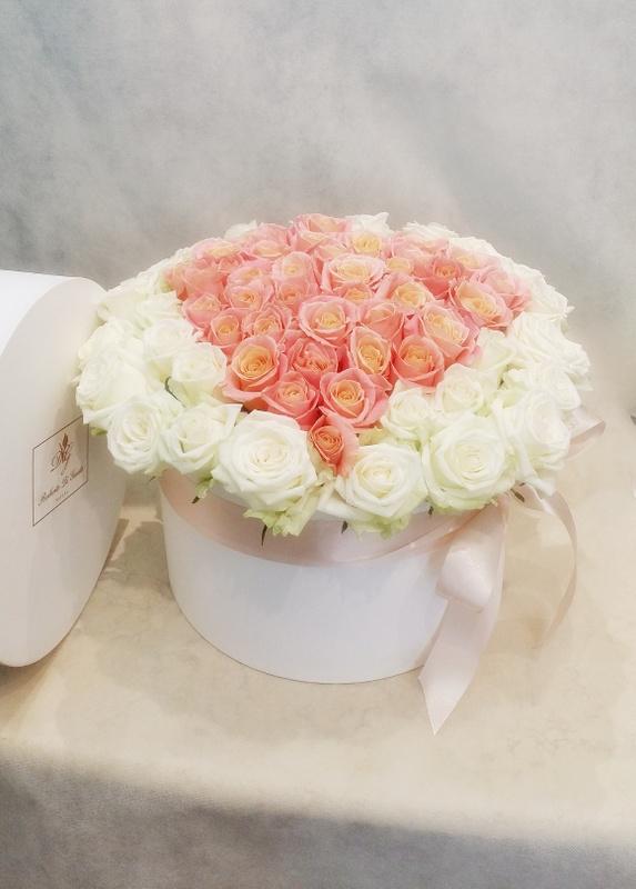 fiori in scatola cilindrica grande