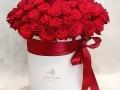 fiori in scatola cilindrica grande bianca con rose rosse