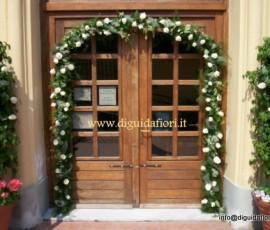 arco di fiori per matrimoni