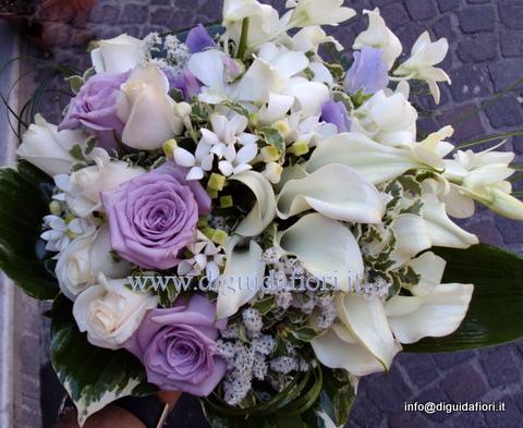 Bouquet Sposa Glicine.Bouquet Da Sposa Bianco E Glicine Fiorista Roberto Di Guida