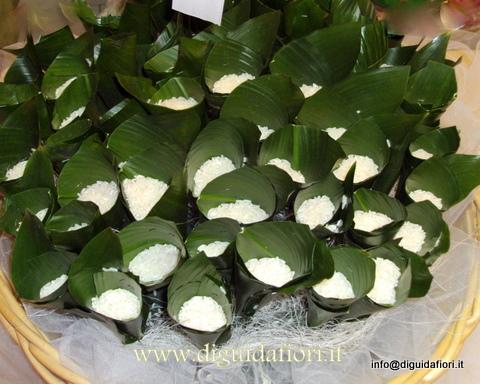 Coni portariso addobbi floreali matrimoni fiorista - Cesto porta coni di riso ...