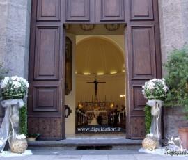chiesa S.S. Trinità addobbo floreale