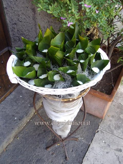 Souvent cesti di petali di rose e di coni portariso per matrimoni  BU95