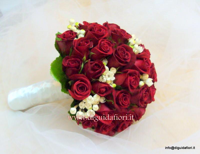 Bouquet Sposa Rose Bianche E Rosse.Bouquet Da Sposa Con Rose Rosse E Bouvardia Fiorista Roberto Di
