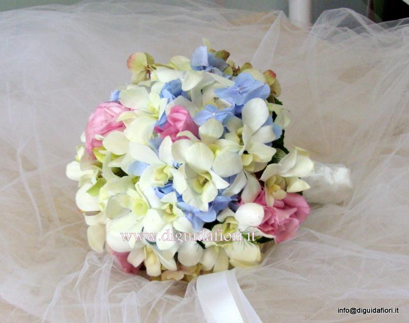Bouquet da sposa con orchidee e ortensia