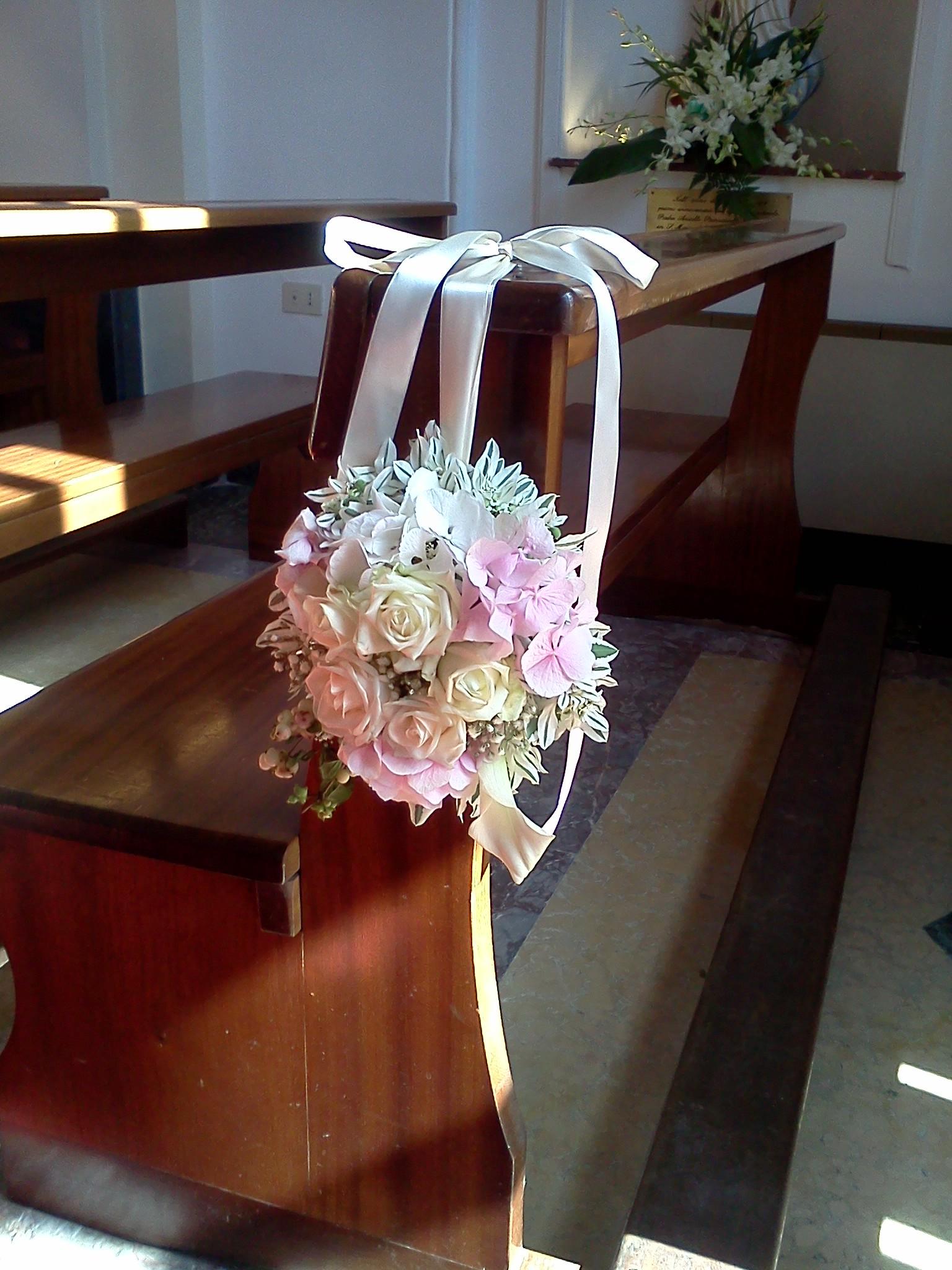Segnaposto per panche in chiesa