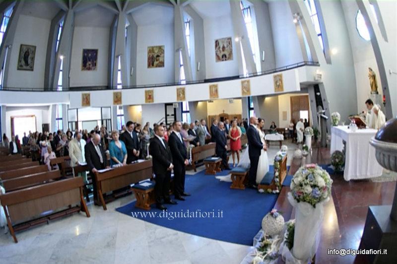 Fiorista matrimonio Napoli. Rito religioso nella Chiesa di Santa Maria della Rotonda al Vomero