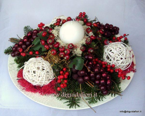 Centrotavola Matrimonio Natalizio : Centrotavola floreale in tema natalizio fiorista roberto