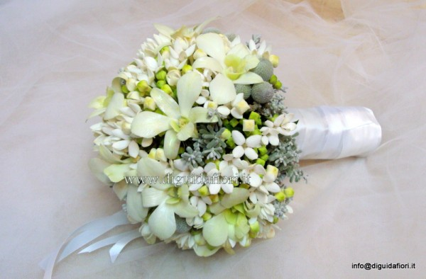 Bouvardia Bouquet Sposa.Bouquet Da Sposa Con Bouvardia E Orchidee Dendrobium