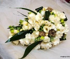 bouquet da sposa con fresie