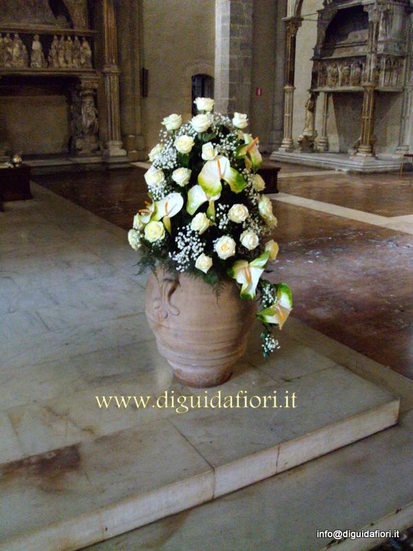 Addobbo floreale con rose avalanche e anthurium – Fiorista Napoli
