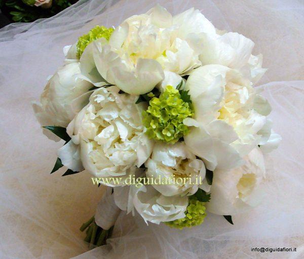 Bouquet da sposa con peonie fiorista roberto di guida for Camelie bianche