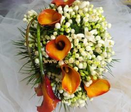 bouquet da sposa con calle arancio e bouvardia