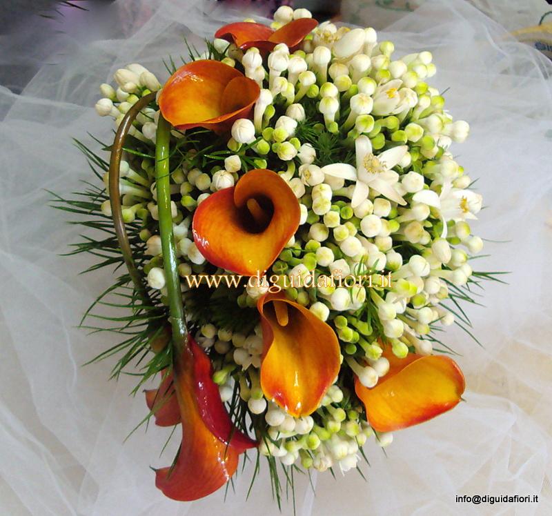 Bouquet da sposa con calle arancio e bouvardia – Fiorista Napoli
