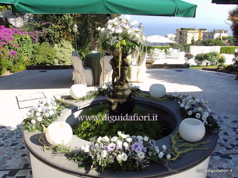 Addobbo floreale per matrimonio –  pozzo di Villa Cilento