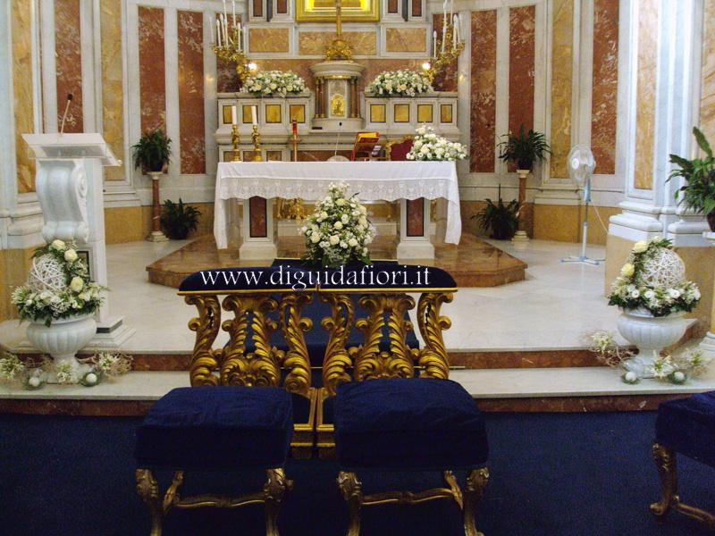 Matrimonio Natalizio Napoli : Addobbo floreale per matrimonio chiesa santa lucia a