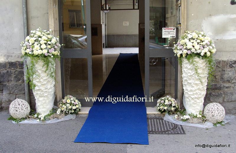 Addobbo floreale per casa della sposa matrimonio bianco e glicine fiorista roberto di guida - Addobbi matrimonio casa ...