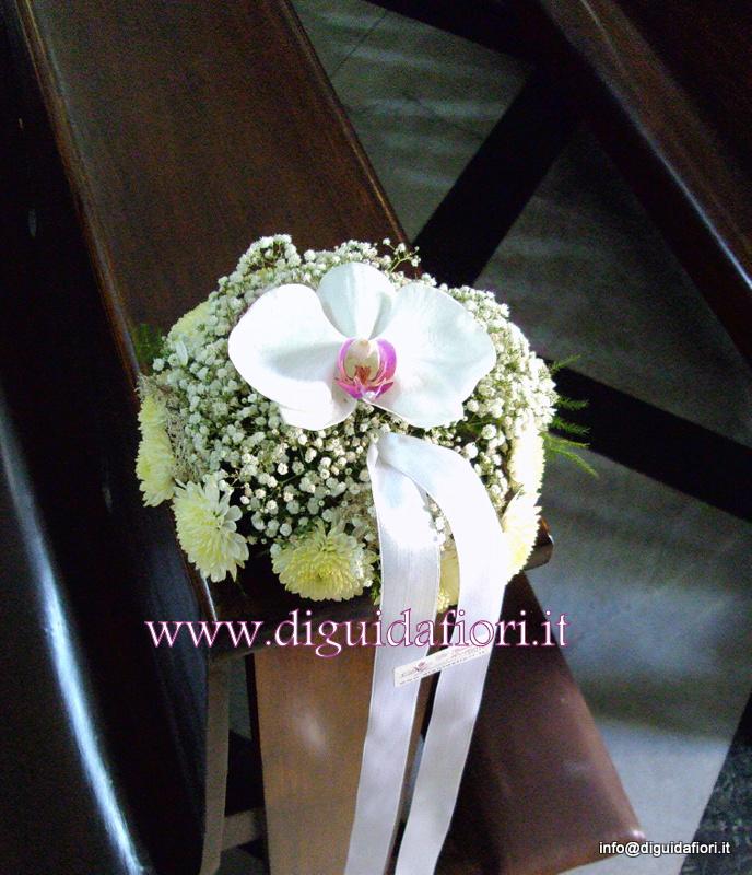 Segnaposto per panche con orchidee – dettagli matrimonio