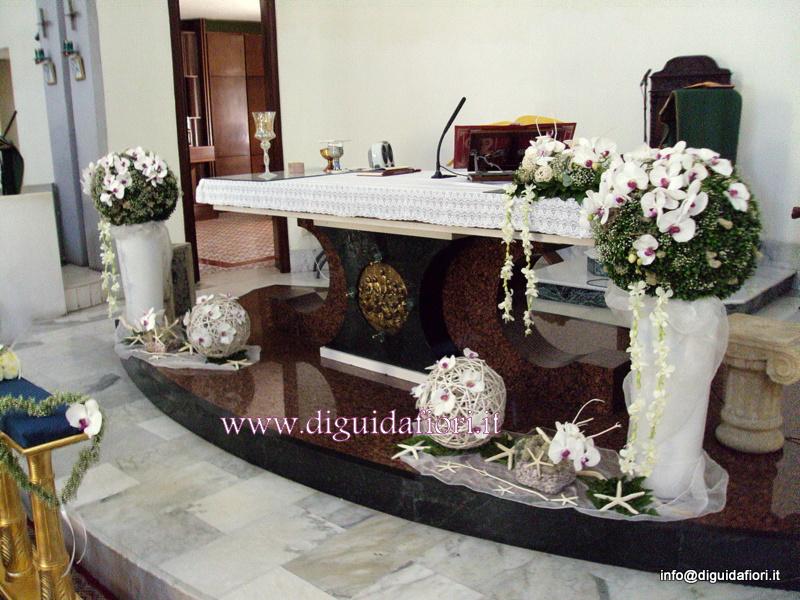 Addobbo floreale con orchidee phalaenopsis – Chiesa Santa Maria del Buon Consiglio a Confalone