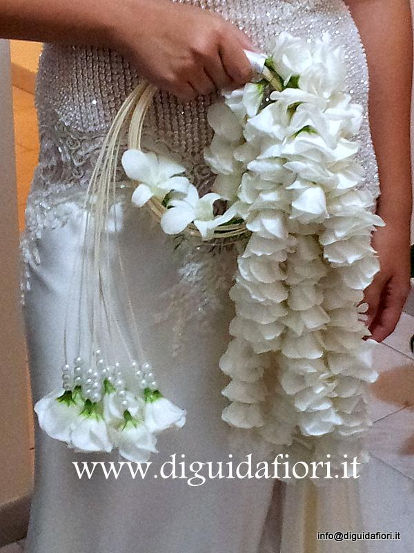 Bouquet da sposa con fiori di lisianthus e orchidee – Spose Napoli