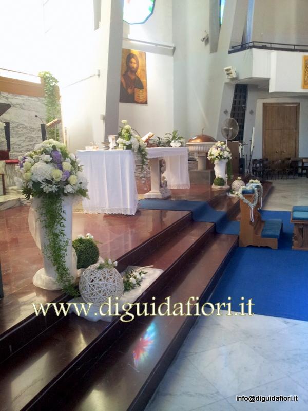 Addobbo floreale bianco e glicine per matrimonio – Chiesa S. Maria della Rotonda Napoli