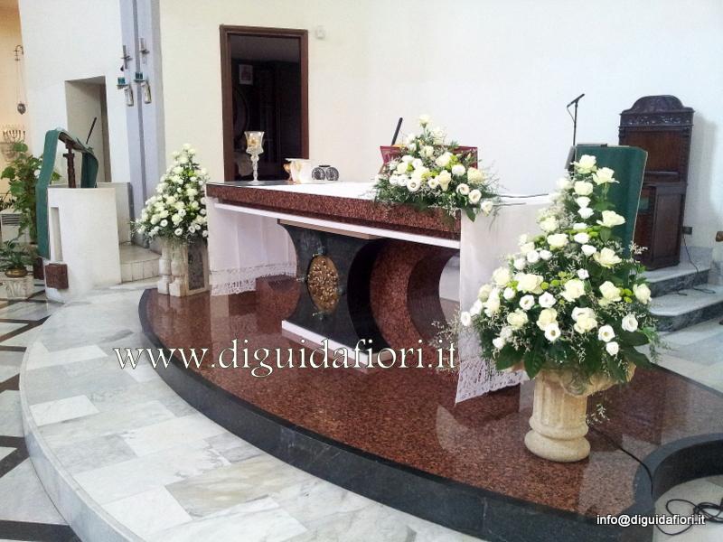 Addobbo floreale per matrimonio bianco e verde – Chiesa del Buon Consiglio a Confalone – Matrimonio Napoli