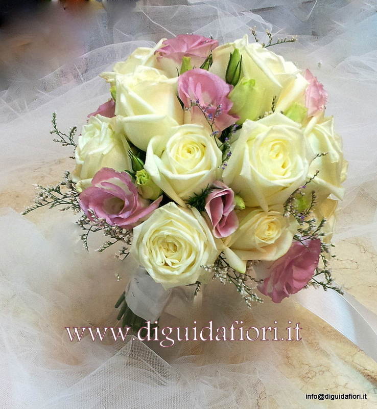 Bouquet da sposa con rose avalanche e lisianthus rosa – Fiorista Matrimonio Napoli