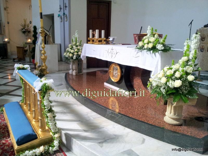 Addobbo floreale per matrimonio bianco e verde – Chiesa del Buon Consiglio a Confalone