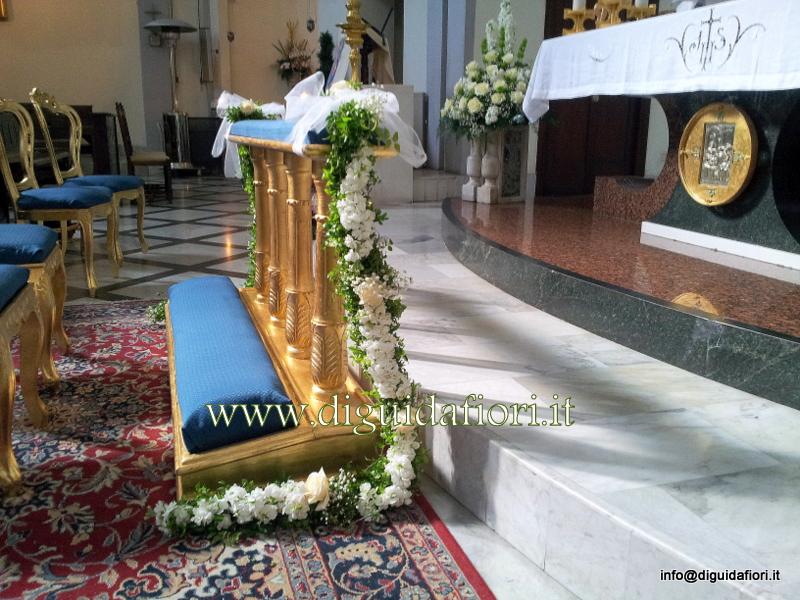 Torchon di fiori per inginocchiatoio – addobbo floreale per matrimoni – Fiorista Roberto Di Guida