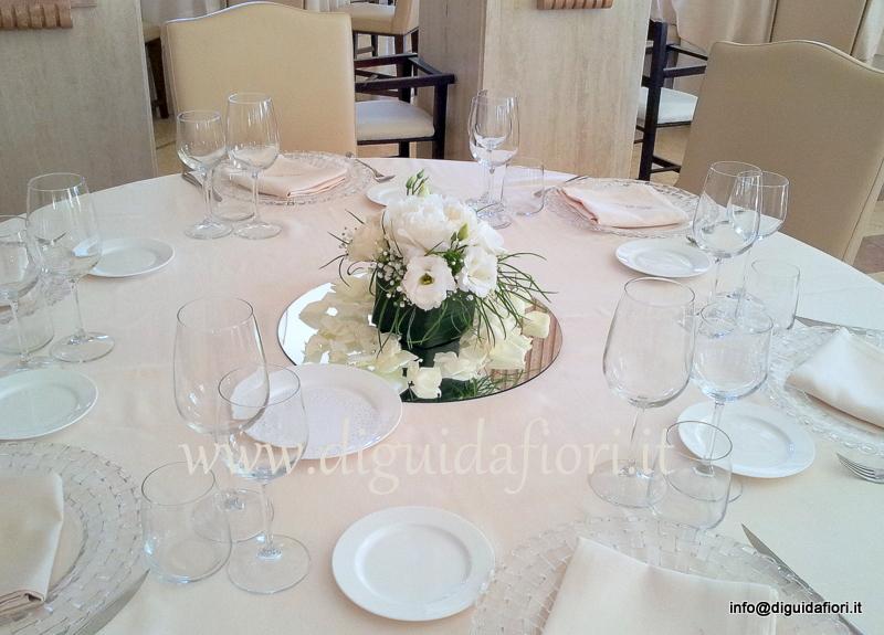 Centrotavola floreale squadrato per matrimoni – Villa Orsini