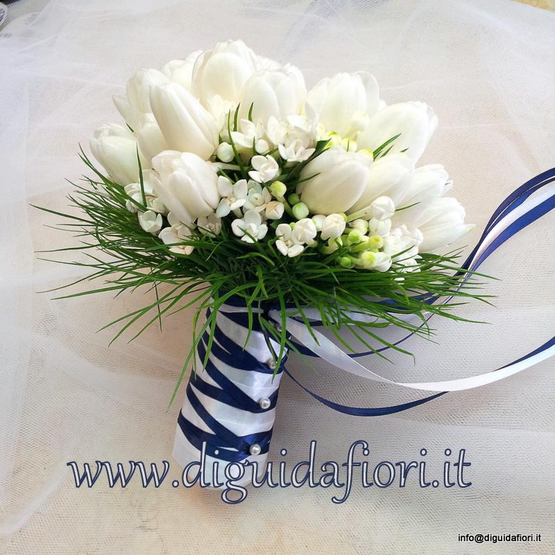 Bouquet da sposa con  tulipani bianchi e bouvardia – Dettagli Matrimonio Napoli