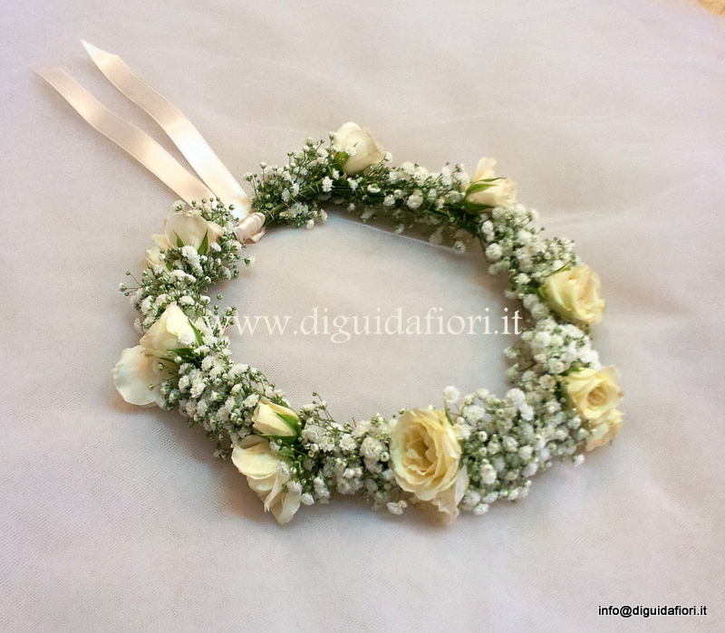 Coroncina di fiori per capelli – dettagli matrimoni