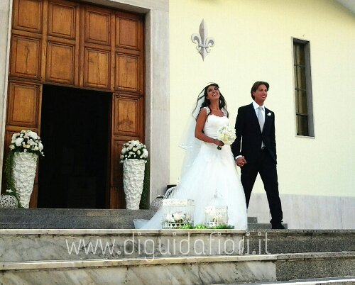 Addobbo floreale per matrimonio  –  Chiesa dei Fiorentini a Napoli