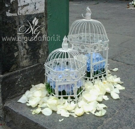 Fiori in gabbia – addobbo floreale per matrimoni