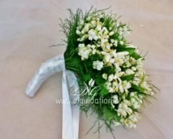 Bouquet Sposa Fiori Darancio.Bouquet Da Sposa Con Fiori D Arancio E Mughetti Fiorista Roberto