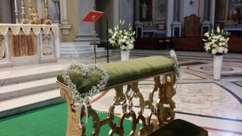 Allestimento floreale per matrimonio – Basilica dell'Incoronata Madre del Buon Consiglio
