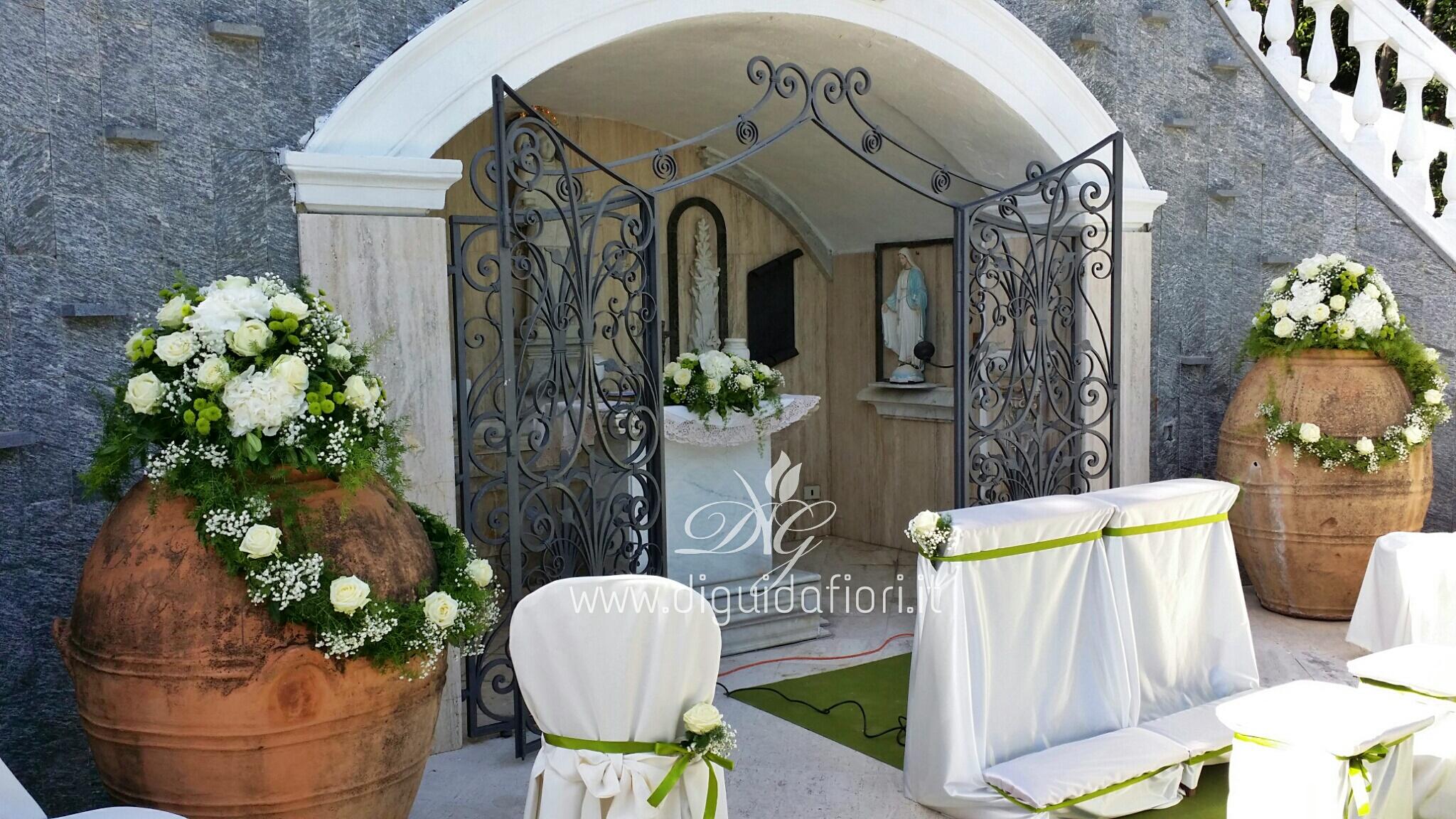 Addobbo floreale bianco e verde – Matrimonio in Villa