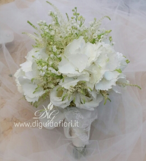 Bouquet da sposa total white