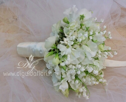 Bouquet Sposa Mughetto.Bouquet Da Sposa Con Mughetti E Fiori Di Pisello Odoroso