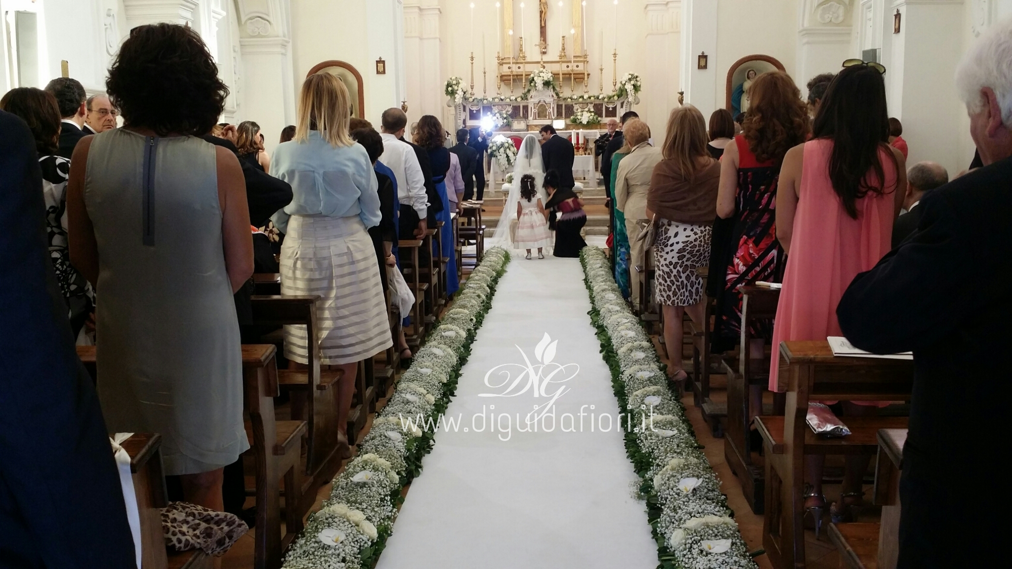 Matrimonio Castello di Limatola – fiori total white