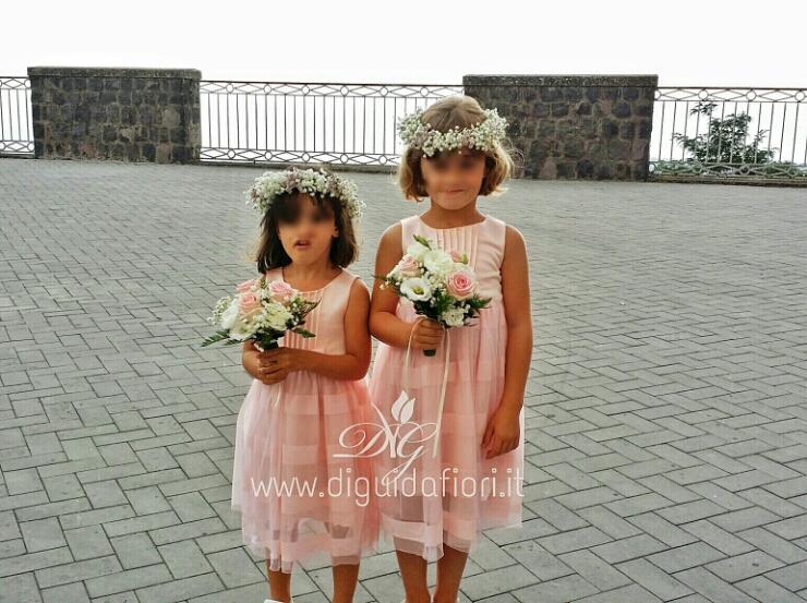 Accessori floreali per damigelle – idee per matrimoni