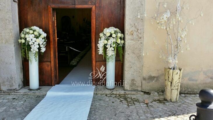 Addobbo floreale per matrimonio Chiesa del Castello di Limatola