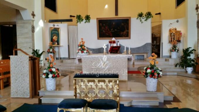 Addobbo floreale per matrimonio – Chiesa di Maria Santissima del Buon Consiglio a Posillipo