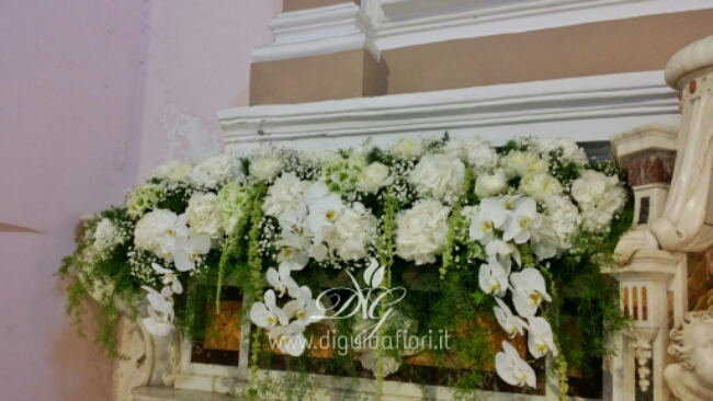 Addobbo floreale per altare – Chiesa di San Gennaro a Pozzuoli
