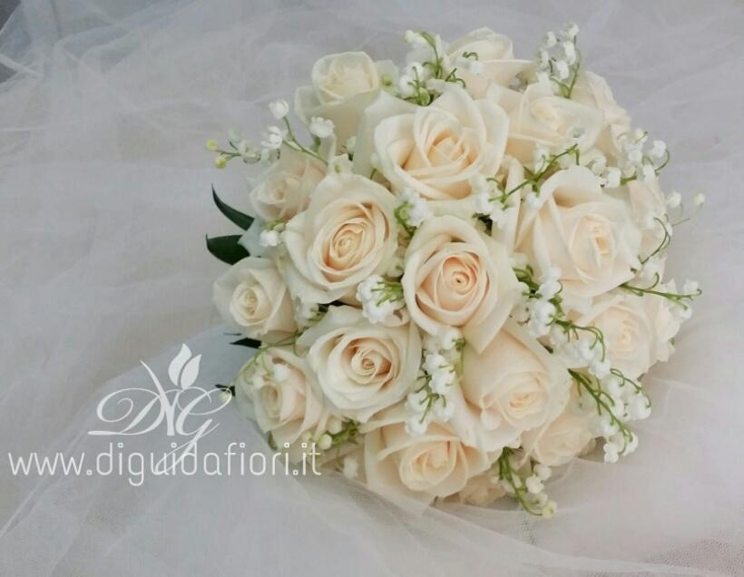 Ben noto Bouquet da sposa con rose e fiori di mughetto - Accessori floreali  DC78