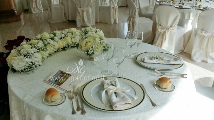 Addobbo floreale per tavolo sposi – Villa Cilento Posillipo Napoli