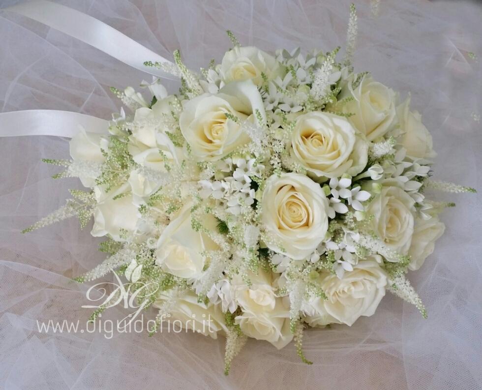 Bouquet da sposa total white accessori per matrimonio for Addobbi per promessa di matrimonio