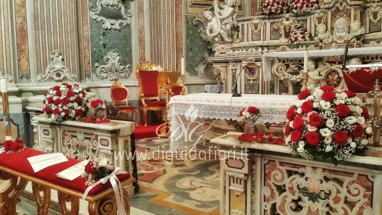 Addobbo floreale per la Chiesa della Scuola Militare Nunziatella a Napoli –