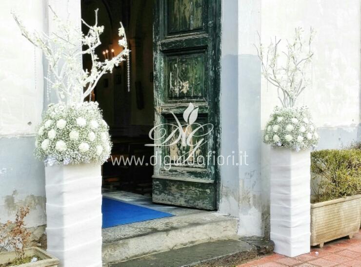 Addobbo floreale per matrimonio con tema neve