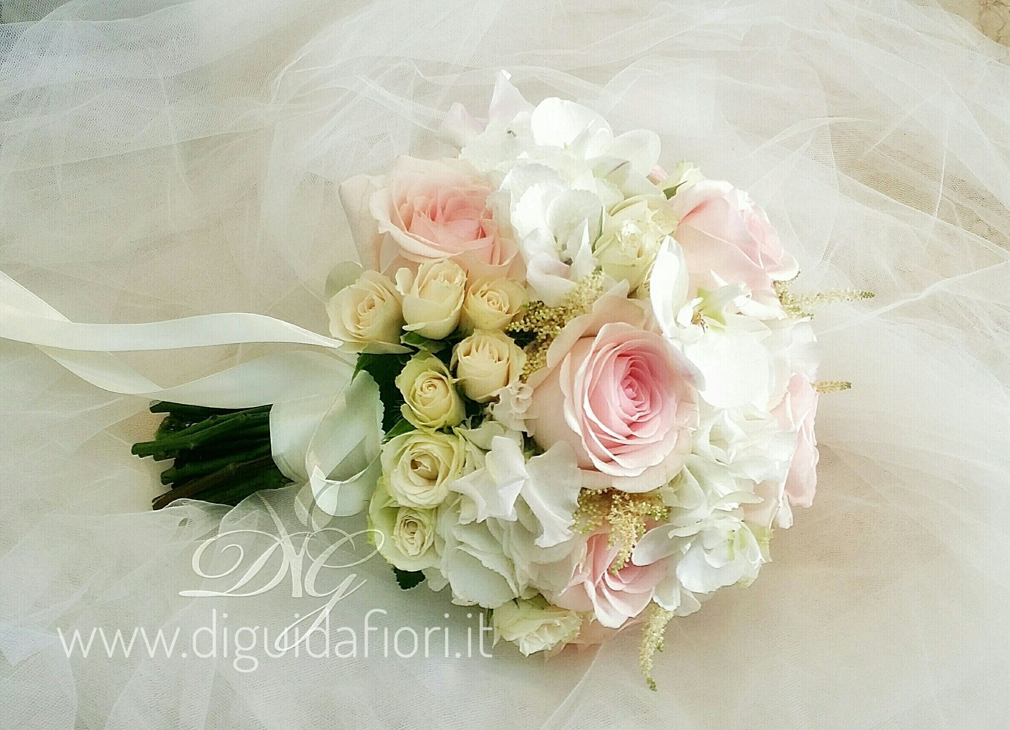 Bouquet Ortensie E Rose : Bouquet da sposa elegante fiorista roberto di guida